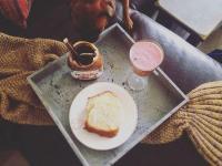 stoliczek śniadaniowy 1
